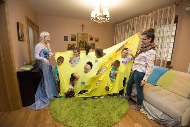 Компания TOY RU устроила праздник для деток из приютов и подарила самые долгожданные подарки