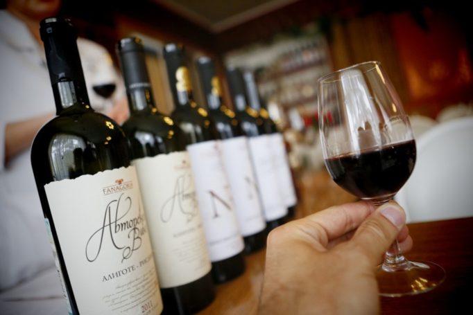 Виноделы России ратуют за запрет поставок импортных вин премиального класса