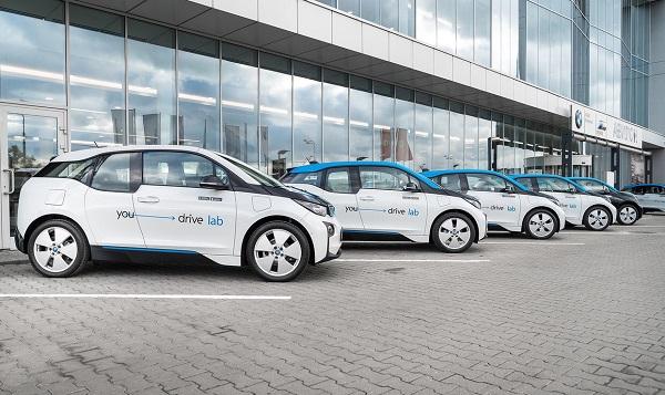 В каршеринге YouDrive появились электромобили BMW i3