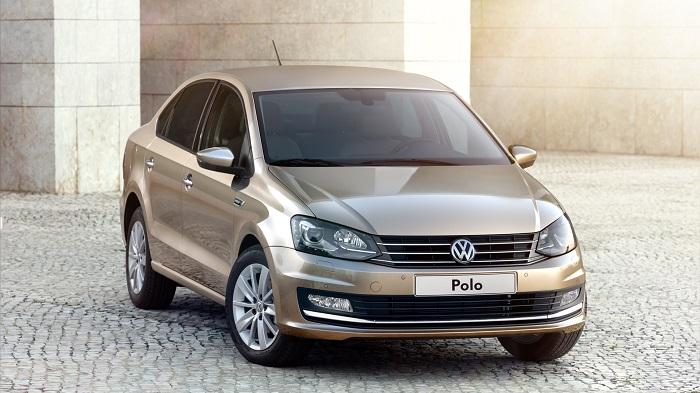 Volkswagen Polo в автосалоне дилера