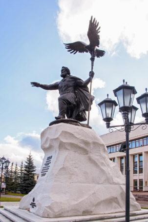 В Калуге при участии Мединского прошла церемония открытия памятника князю Ивану III