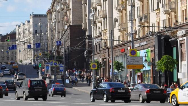 Объем оборота ресторанов и магазинов на благоустроенных улицах столицы растет на 20-30%