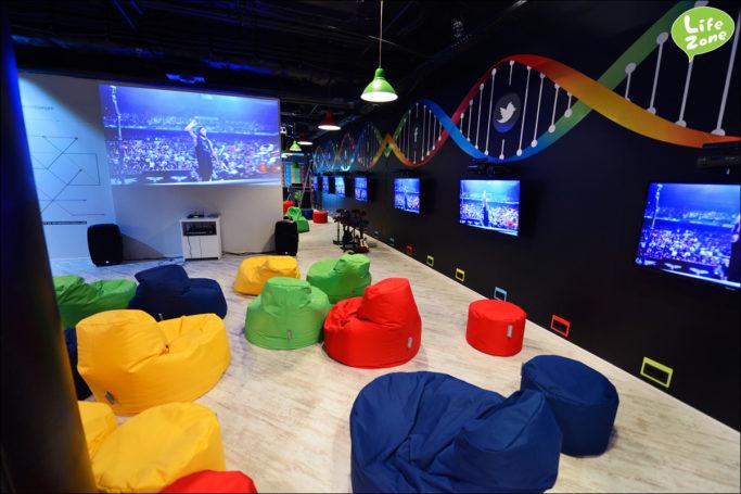 «М.Видео» создал магазин-клуб для геймеров, где они могут испытать новинки рынка