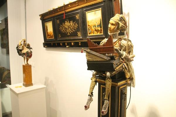 В Москве открылась персональная выставка художников-кукольников Елены и Михаила Сориных