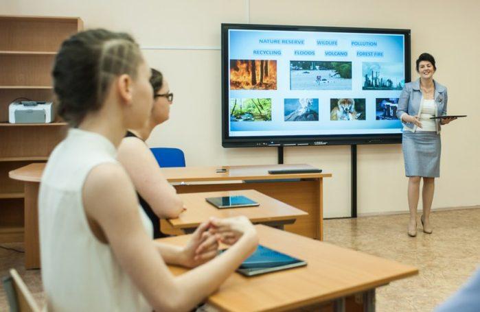 Исаак Калина считает, что опыт «Московской электронной школы» может быть применен во всех регионах
