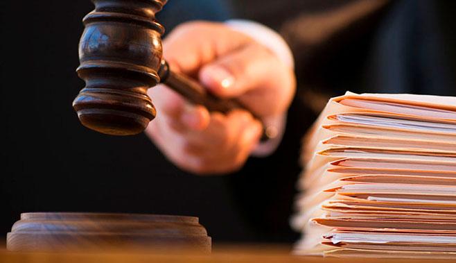 Иск обвиняемой в мошенничестве к застройщику стал причиной остановки строительства жилья в Подмосковье