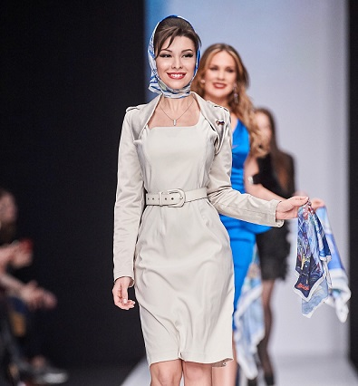 Коллекцию «Синий платочек Победы» представили в рамках Mercedes Benz Fashion Week