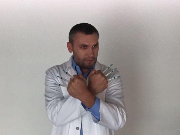 Пластический хирург Саратовцев рассказал, как оперировать без крови