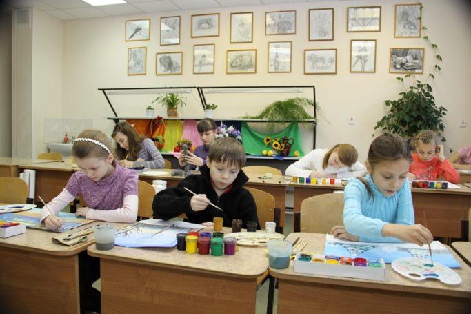 Личности лучших отечественных педагогов и история внешкольного образования представлены на выставке в Москве