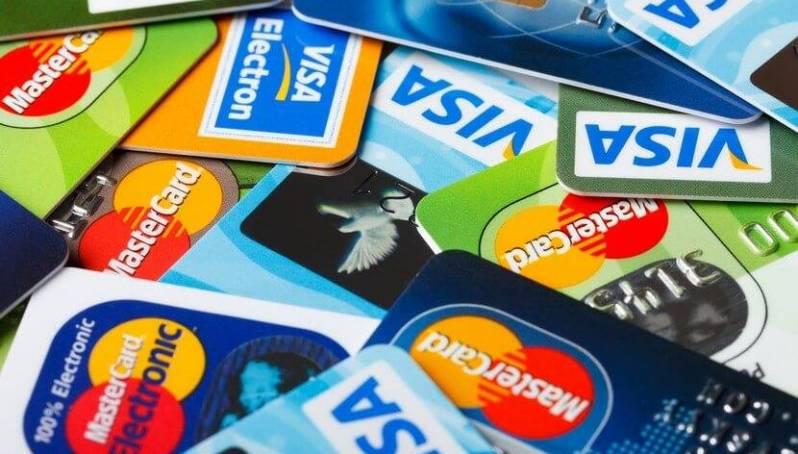 Сайт Выберу.ру представил сентябрьский рейтинг выгодных дебетовых карт с кэшбэком