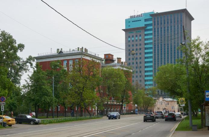 Жители ЮАО и ЮЗАО попросили ограничить движение машин по Дубининской улице и Даниловскому валу