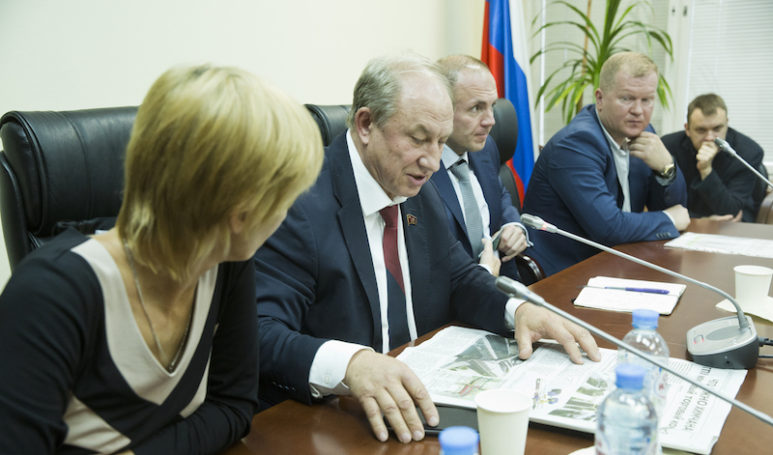 Депутат КПРФ Валерий Рашкин подключился к борьбе химчан за уничтожаемый сквер