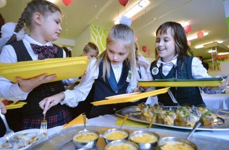 Столичные школьники из САО теперь смогут заказать «Цезарь» в столовой