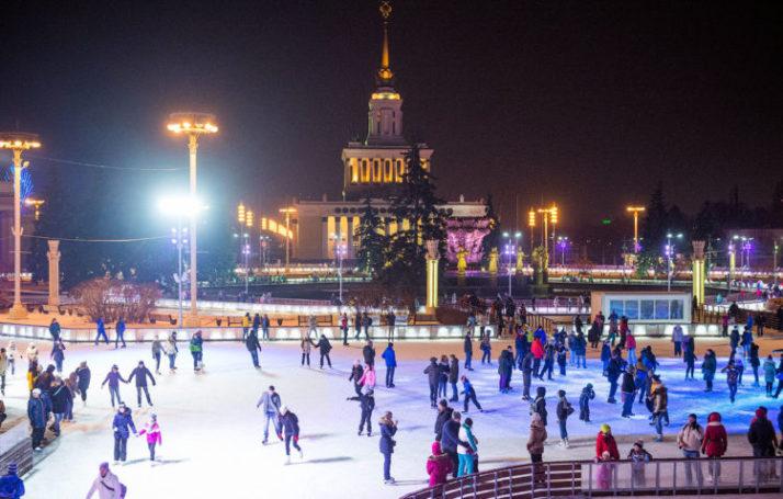 Более 500000 человек покатались на катках ВДНХ минувшей зимой