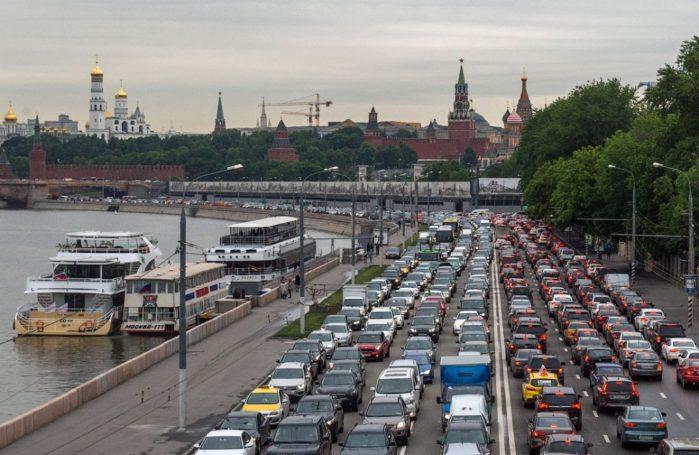 Перекрытия дорог 7 марта поставили Москву в 10-балльные пробки