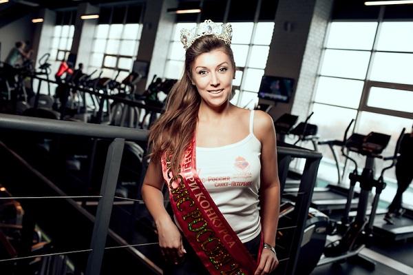 Королевы красоты и чемпион мира по тайскому боксу Андрей Закопайло провели настоящий королевский марафон в фитнес-клубе NeoFit в Крылатском