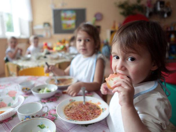 Виктор Панин созывает заседание, посвящённое питанию московских дошкольников