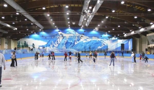 В рамках реализации масштабного инвестиционного проекта в столичном районе Куркино построят первый ледовый каток