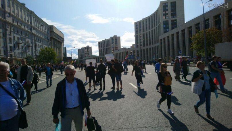 Американец Секстон давал ценные указания московским провокаторам во время незаконных митингов