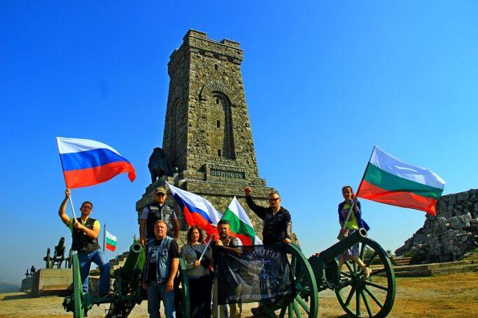 Участники Международного автомотопробега «МИРОТВОРЦЫ-2019» доставили необычный подарок в дар Болгарии