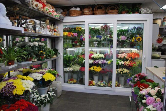 Ажиотаж заказов цветов в интернет-магазинах ко Дню знаний отсутствовал