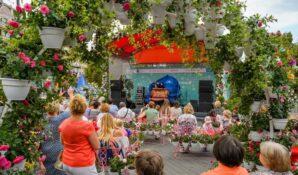 Праздничные спектакли, концерты и круглосуточное метро: Москва готовится ко Дню города