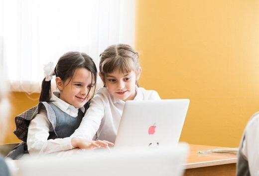 В опросе Учи.ру учителя рассказали о преимуществах цифровых технологий
