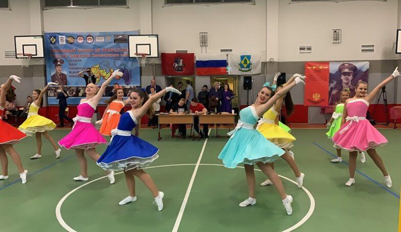 В турнире по армрестлингу в Хорошевском районе Москвы приняли участие 13 команд