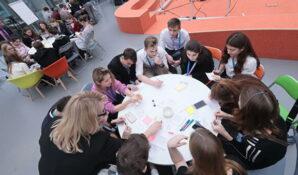 Школьники столицы будут создавать стартапы при помощи Сбербанка