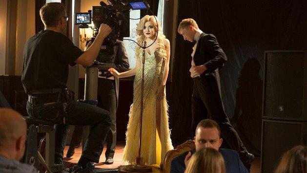 Премьера клипа состоялась в конце ноября