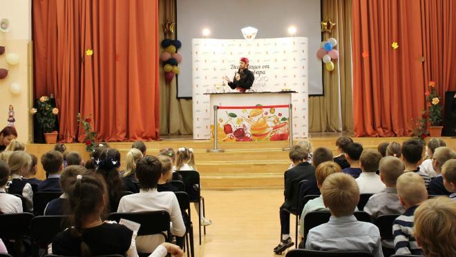 Повара московских школ преподали «урок» по приготовлению детского новогоднего меню