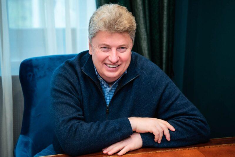 Российский миллиардер поступил в Коммунарку с положительным тестом на коронавирус
