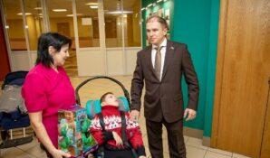 Михаил Романов пообещал содействие в решении жилищной проблемы ребенка-инвалида