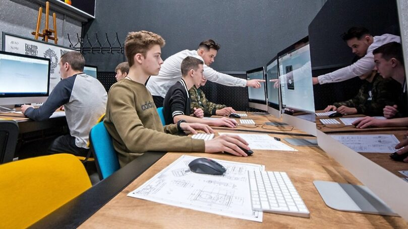 Стоит ли записывать детей в «топовые» учебные заведения в рейтинге школ Москвы