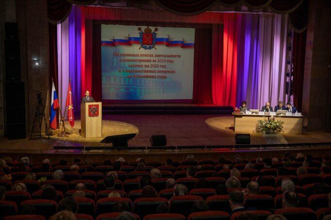 Михаил Романов поделился с общественностью решением проблем Колпинского района