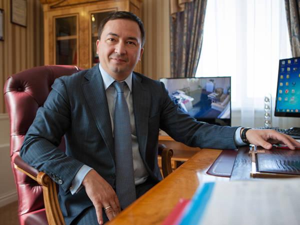 Награду за выдающиеся результаты работы получил Игорь Насенков