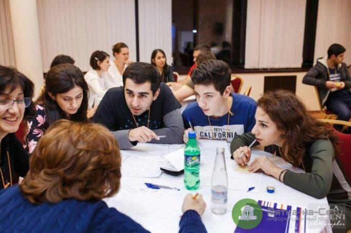 На конференции в Москве представили опыт ГК «Просвещение» по созданию профессионально-ориентированной образовательной среды