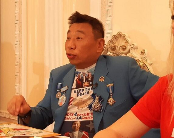Лаки Ли нацелился на информационно-образовательно-воспитательную войну с Александром Тащиным из ВГТРК