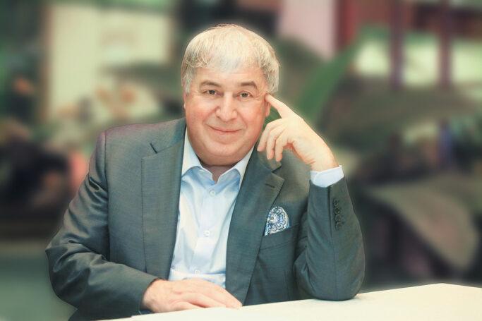 Деятели культуры поздравили владельца ПФГ «САФМАР» Михаила Гуцериева с днем рождения