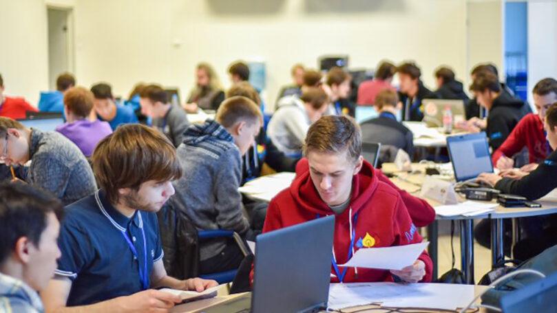 В финале Открытой олимпиады по программированию столичные школьники завоевали 48 дипломов