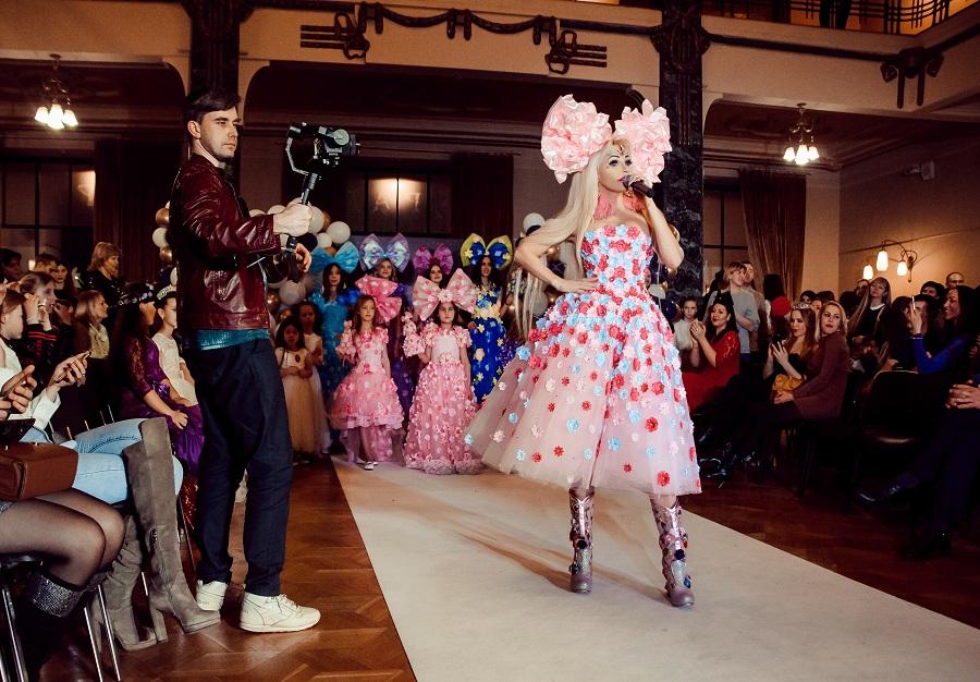 Новая коллекция Русской Барби Тани Тузовой в Музее моды в Гостином дворе