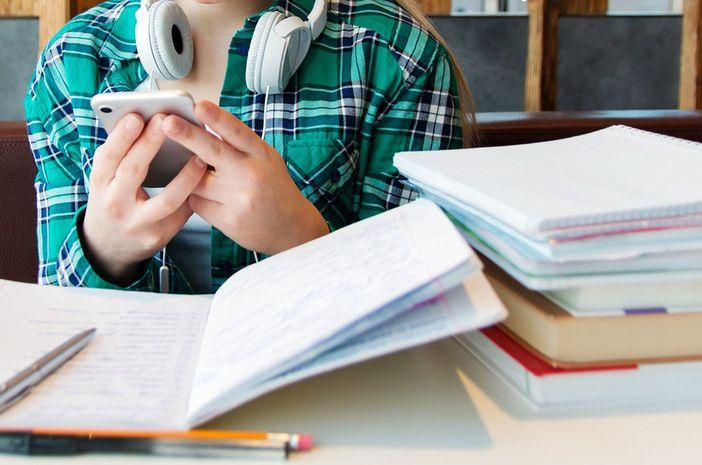 Российские эксперты поделились советами по подготовке к сдаче ЕГЭ по русскому языку и математике