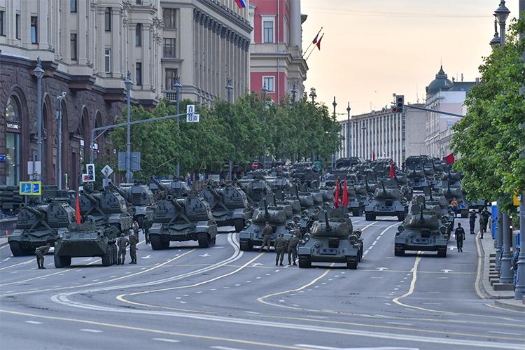 В Москве прошла ночная репетиция Парада Победы