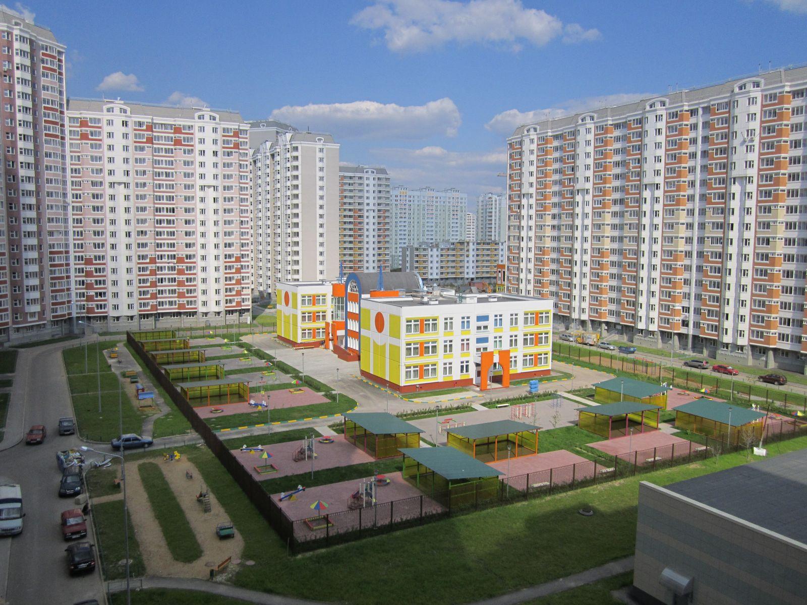 Более 300 школ и 170 детсадов: социальная застройка в Новой Москве идет вровень с жилой