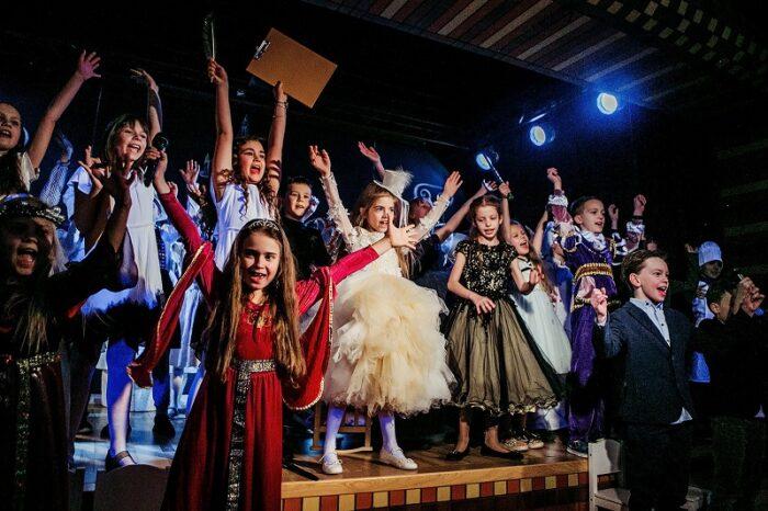 Учащиеся школы Wunderpark International School поставили два спектакля находясь на удаленном обучении