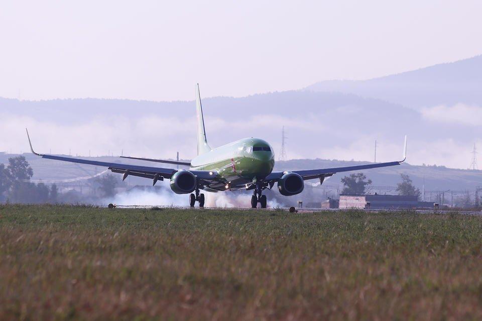Глава Якутии выступил против создания дальневосточной авиакомпании на базе «Авроры»