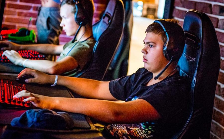 Попробовать свои силы в киберспорте приглашают детей, подростков и молодежь на специальном Чемпионате
