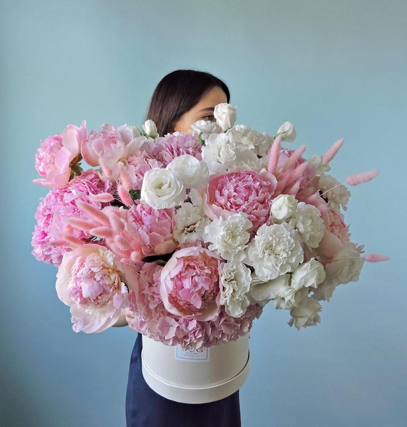 Букеты цветов с доставкой в Москве – ваш идеальный подарок!
