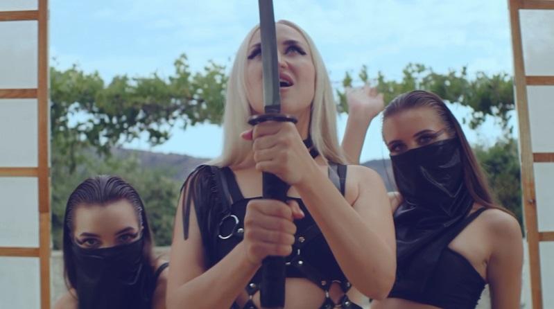 Новую песню и клип «Эйфория» выпустила певица Ани Айс