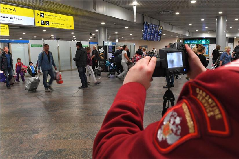 В аэропортах Москвы установят инновационные системы диагностики Covid-19 – Песков